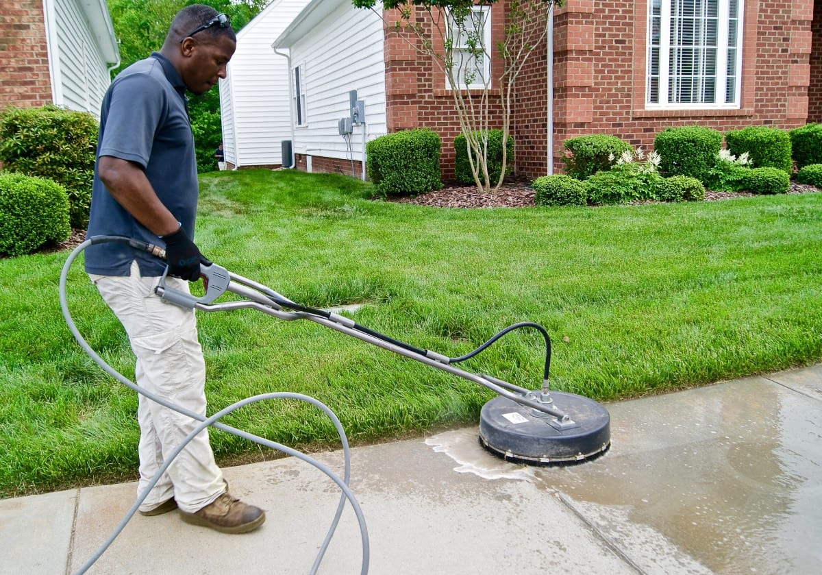 Residential pressure washing bermuda one richmond va for Concrete cleaning service